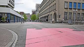 Noch diesen Sommer beginnen die Sanierungsarbeiten an der Konradstrasse; der Individualverkehr hat deshalb mit Umleitungen zu rechnen; der öffentliche Verkehr dagegen verkehrt jederzeit in beide Richtungen.
