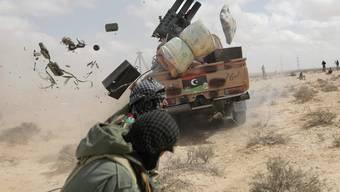 Harte Kämpfe - kein Bodengewinn: In Libyen kommen weder Rebellen noch Armee voran