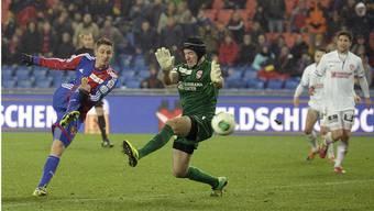 Ein Treffer fürs Selbstvertrauen: Stephan Andrist (l.) bezwingt Torhüter Guillaume Faivre zum 4:1.