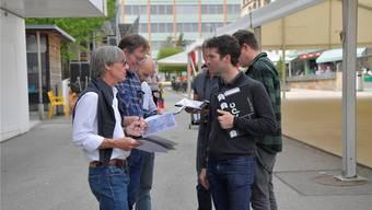 Aufnahmeleiter Rob Rutz (links) mit Kameraleuten und Tontechnikern. om