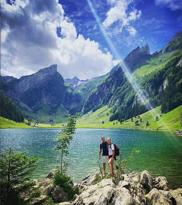 Belinda Bencic mit Freund Martin im Sommer am Seealpsee.