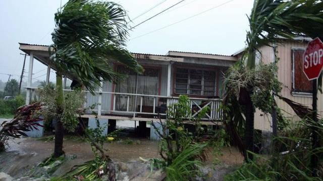 Von Hurrikan Earl verusachter Schaden auf Antigua