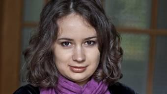 Geigerin Patricia Kopatchinskaja weiss nicht so recht, was sie mit ihren grauen Haaren anstellen soll - doch sie weiss haargenau, wohin sie gehört. (Archivbild)