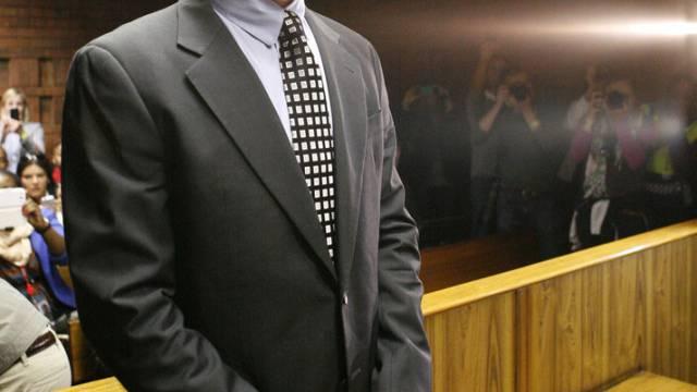 Pistorius wird beschuldigt, seine Freundin erschossen zu haben