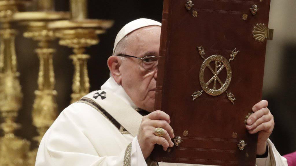 «Der Mensch ist gierig und unersättlich geworden»: Papst Franziskus bei der Messe an Heiligabend in Rom.