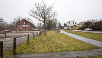 Auf diesem grünen Streifen sind Parkplätze geplant.