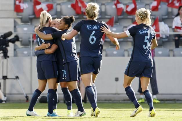 Die Engländerinnen besiegen die Schweiz souverän 4:0.