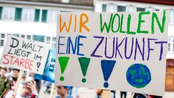 Der lebendigere Teil der Demonstration besammelte sich auf dem Limmatquai beim Rathaus. (Archivbild)