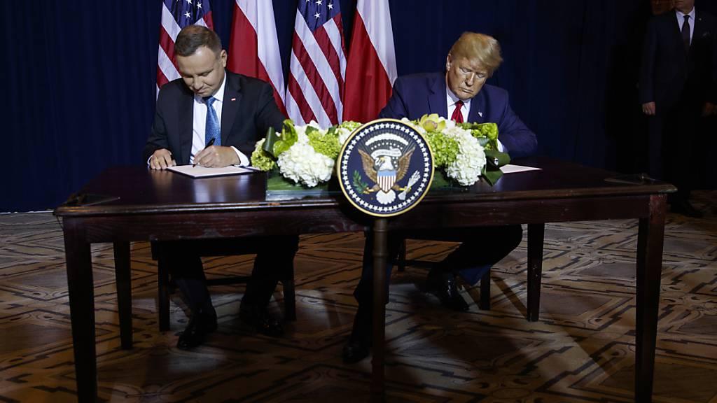 Rande der Uno-Vollversammlung haben US-Präsident Trump und der polnische Präsident Duda ein Abkommen zur Verstärkung der US-Truppen in Polen unterzeichnet.