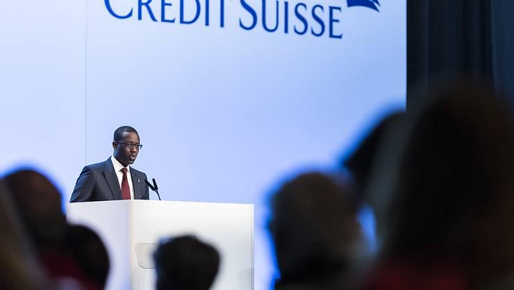 Credit-Suisse-Chef Tidjane Thiam erläutert den Aktionären die geplanten Kapitalerhöhungen.