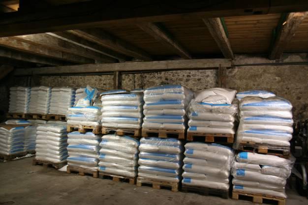 So viel Salz benötigt der Werkhof der Stadt Solothurn alleine zum Streuen von Hand.