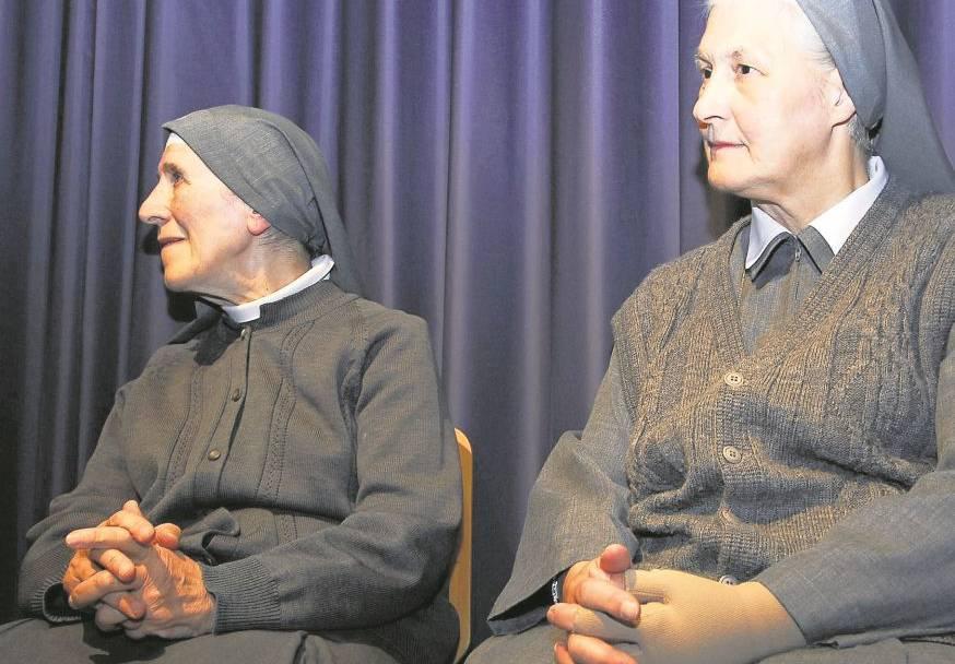 Consolata-Schwester Bartola sprechen eine Abschiedsrede