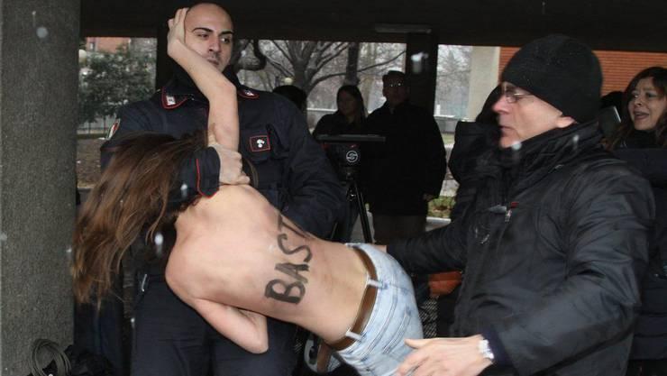 Eine der Damen, die Berlusconi die Meinung geigen wollten.