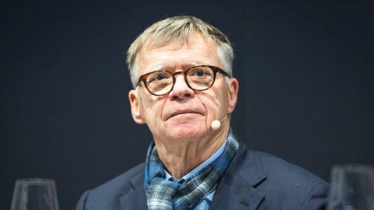 Das Bild zeigt ihn an der Medienkonferenz zum Joint Venture der AZ Medien und der NZZ Regionalmedien am 7. Dezember 2017.