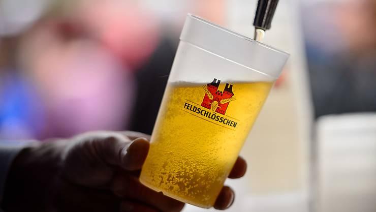 Schweizer Biere wie Feldschlösschen können deutlich zulegen, während Importbiere weniger gefragt sind.