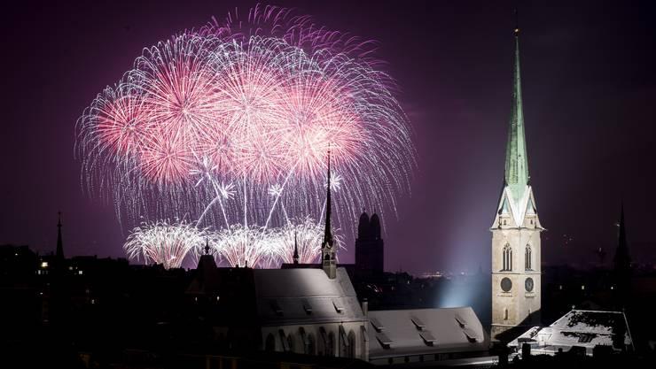 Ein Grund zum Feiern: Zwei zusätzliche arbeitsfreie Tage über den Jahreswechsel 2015/16 für das Staatspersonal.