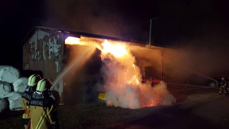 Bereits zum zweiten Mal brennt eine Scheune in Tegerfelden.