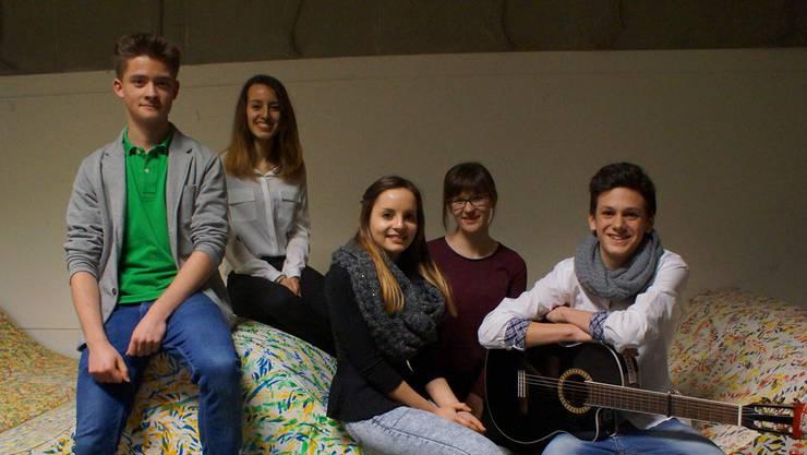 Das sind die Preisträger: Philipp Walczak, Lorena Bee, Giada Aiello, Nathalie Lerjen und Marco Marelli (von links). Ruedi Burkart
