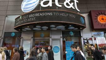 Der US-Telekommkonzern AT&T darf den Mediengiganten Time Warner ohne Auflagen übernehmen. (Symbolbild)