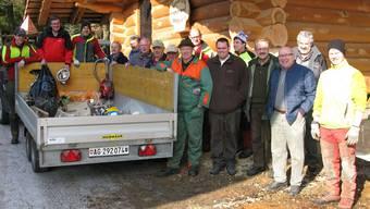 Jäger, Forst-Gemeindepersonal und treue Helfer haben einmal mehr einen wertvollen Einsatz für die Gemeinde Mettauertal geleistet. zvg