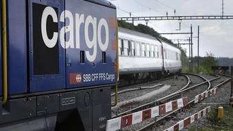 Der Bundesrat will, dass das Güter-Bahnunternehmen SBB Cargo unabhängiger wird gegenüber dem SBB-Konzern. (Themenbild)
