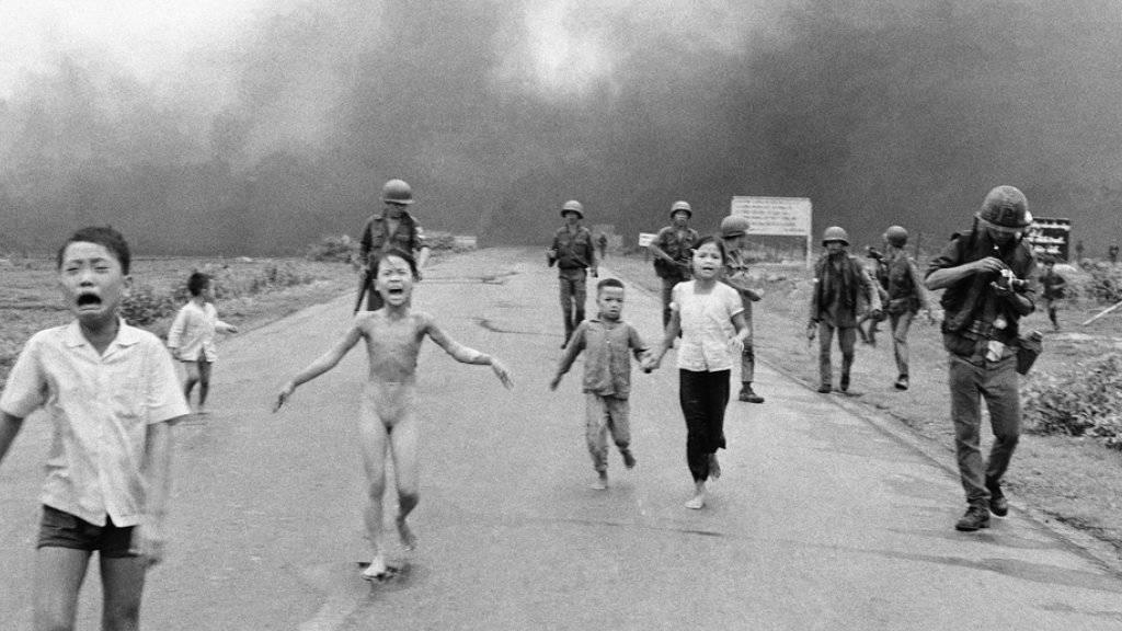 Die neunjährige Kim Phuc ergriff am 8. Juni 1972 nackt und schreiend die Flucht vor einem US-amerikanischen Bombenangriff. (Archiv)