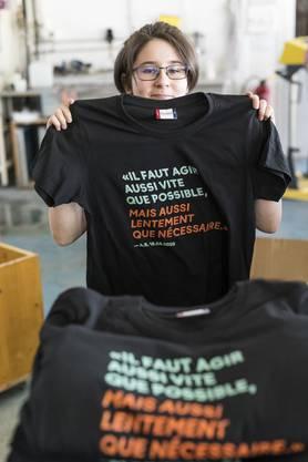 Das T-Shirt der Freiburger Lernenden in Medientechnologie zu Alain Berset verkaufte sich 20'000fach.