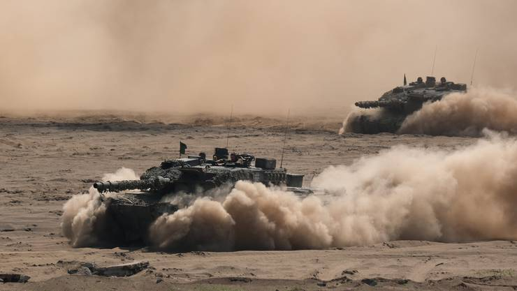 Leopard-2 bei einem Nato-Manöver. 62 dieser Panzer bestellte Katar bei der deutschen Waffenschmiede Krauss-Maffei-Wegmann.