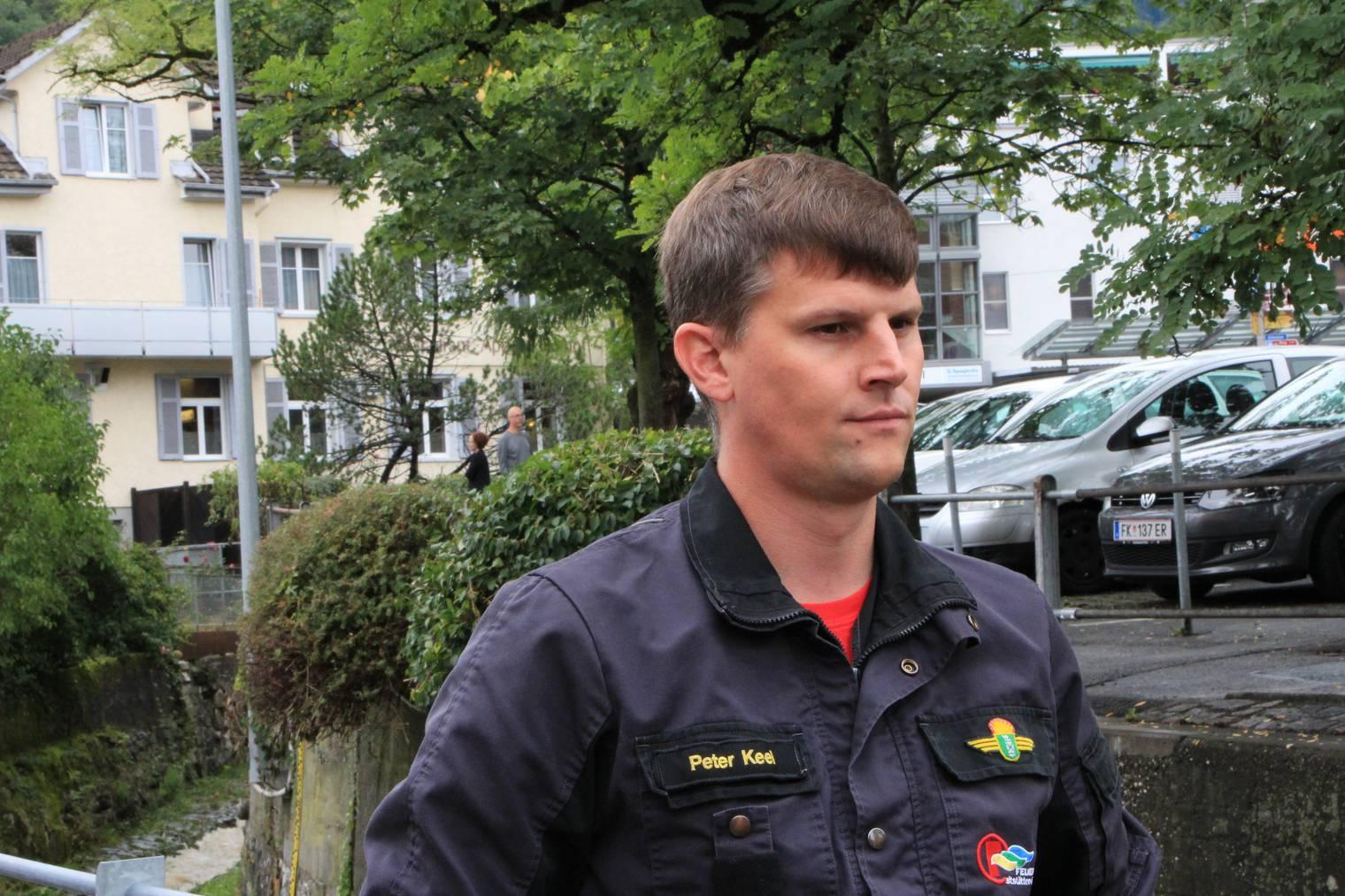 Peter Keel und seine Feuerwehrleute sind bereit für den Einsatz. (Bild: FM1Today/Fabienne Engbers)