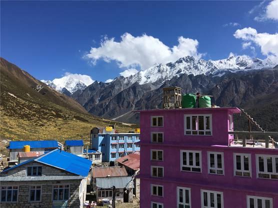 Das Dorf Kyanjin Gompa ist Endpunkt der Langtang-Trekkingtour. Nach dem Erdbeben sind inzwischen die Häuser und Herbergen wieder aufgebaut.