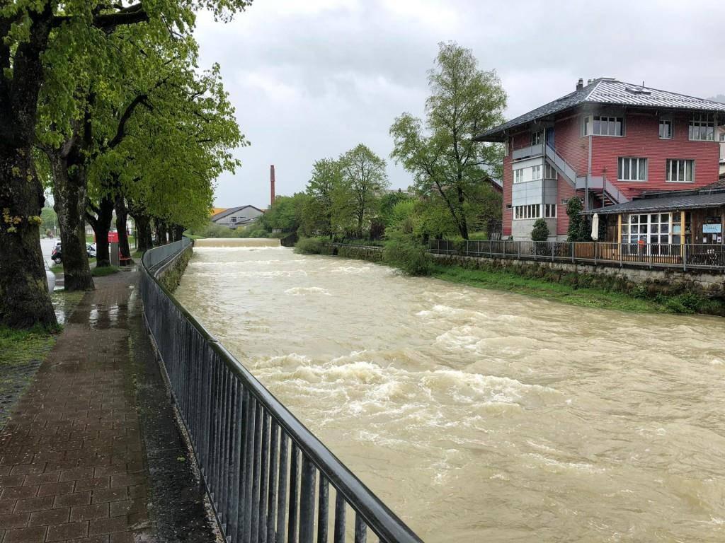 Zu wenig Wasser führt die Sitter in Appenzell definitiv nicht. (© FM1Today/Marc Hanimann)