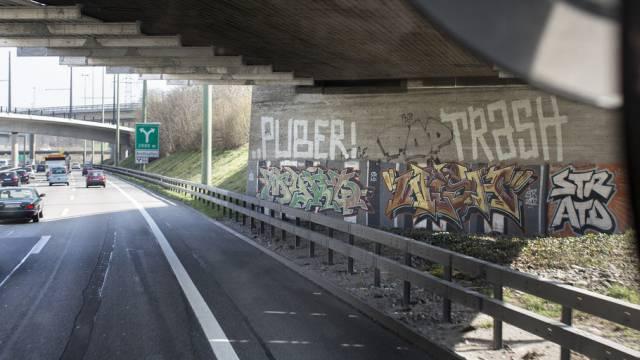 Ein Graffiti des Schweizer Sprayers ''Puber'' (Archiv)
