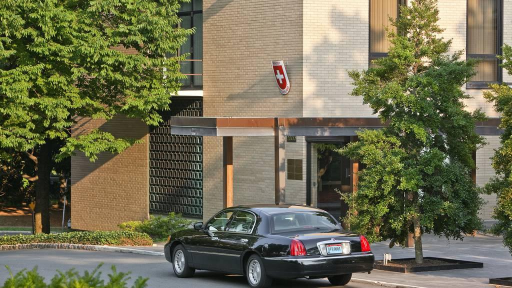 Mann dringt in Schweizer Botschaft ein
