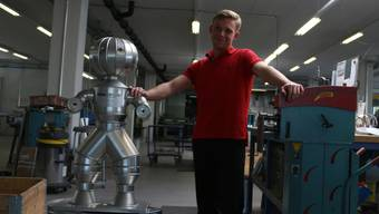 Steffen Bjarki Pfeifer absolviert bei der der Novisol AG in Rheinfelden eine Lehre zum Isolierspengler und stand bei den «Swiss Skills» ganz oben auf dem Podest.