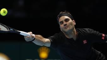 Vergeblich gestreckt: Roger Federer verlor sein Auftaktspiel an den ATP Finals in London gegen Dominic Thiem