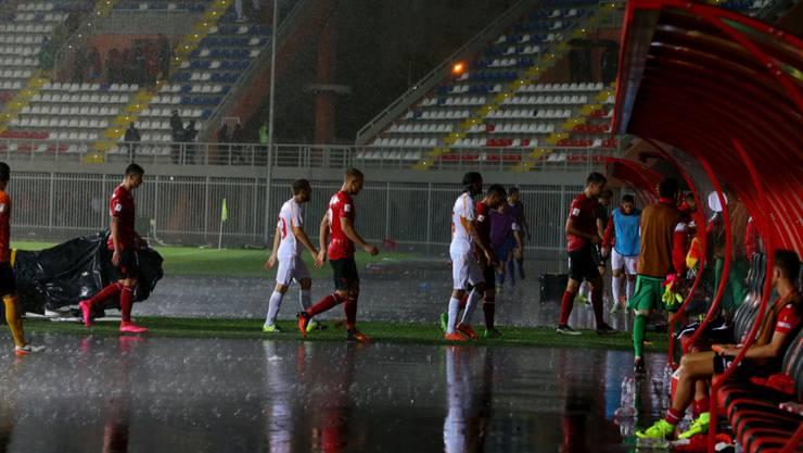 Albanien gegen Mazedonien (1:1) wird ab 14 Uhr fortgesetzt