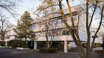 Schulhäuser in Riehen, Schulanlage Niederholz und Wasserstelzen Schulanlage Wasserstelzen