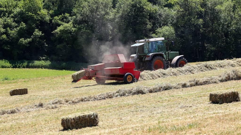 15-Jähriger bei Arbeitsunfall mit Traktor schwer verletzt