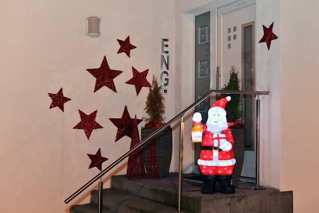 Bereits der Eingang zu ihrem Haus an der Schachenstrasse in Obergösgen ist weihnachtlich dekoriert.