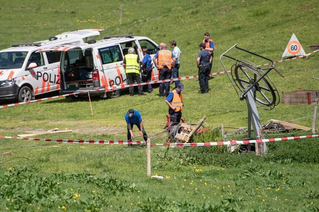 Die von der Polizei abgesperrte Unfallstelle.