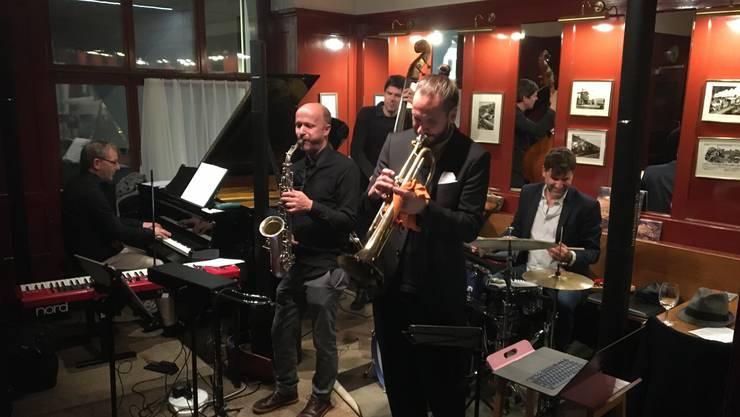 Der Schlagzeuger Pius Baschnagel hat sich eine formidable Band geschenkt, die in Baden brillierte.