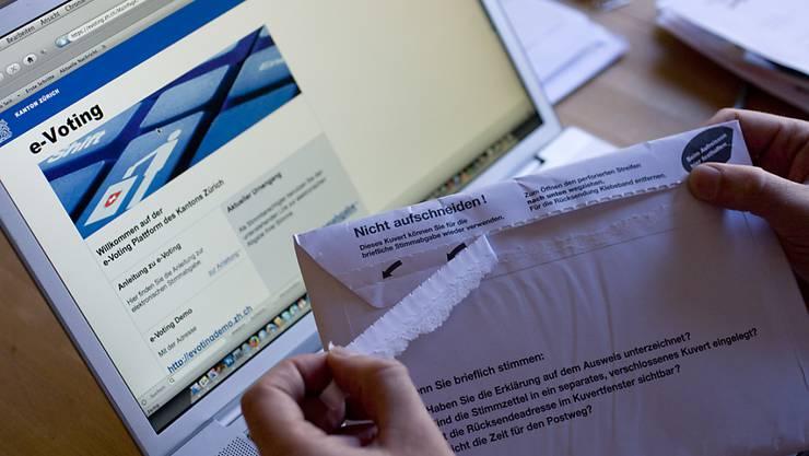Das neue E-Voting-System der Post weist einen erheblichen Mangel auf. Vom Fehler nicht betroffen sind die aktuell eingesetzten E-Voting-Systeme in den Kantonen. (Symbolbild)