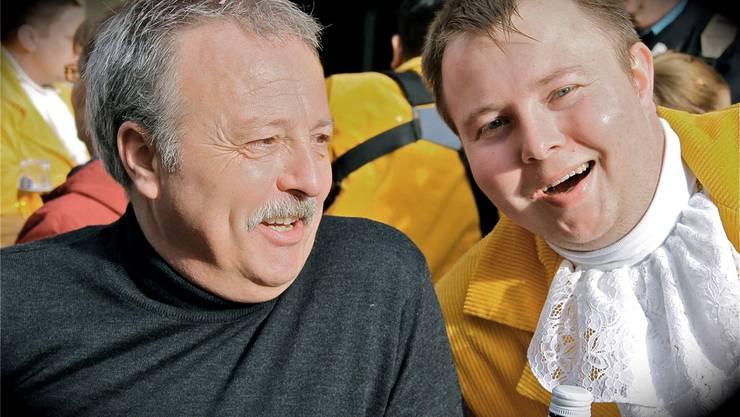 Vater Markus mit Sohn Sascha Hirschi feiern erstmals als «Orginal Chnulleri» gemeinsam Fasnacht.