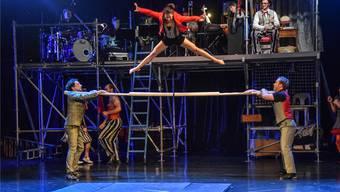 Das Trio «Moi et les Autres» mit seiner waghalsigen Akrobatik am Barren.