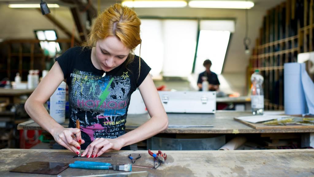 Schulabgänger finden in der Zentralschweiz problemlos eine Lehre
