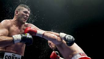 Hier kämpfte Arnold Gjergjaj gegen den Russen Denis Bakhtov - und konnte seinen Titel verteidigen.
