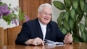 Weihbischof Martin Gächter äussert sich kritisch zur Chor-Renovation. (Archiv)