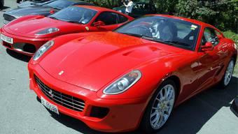 Superreiche importieren illegal Luxusautos - um ein paar Tausend Franken Steuern zu sparen. (Symbolbild)