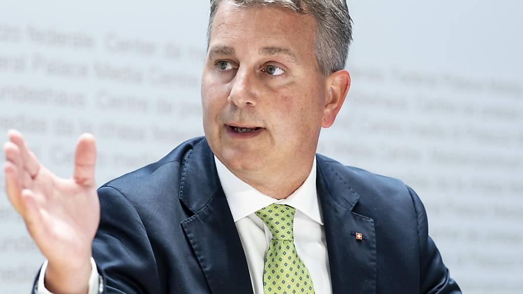 SVP wählt mit Maske Präsidenten - FDP fasst digital Parolen