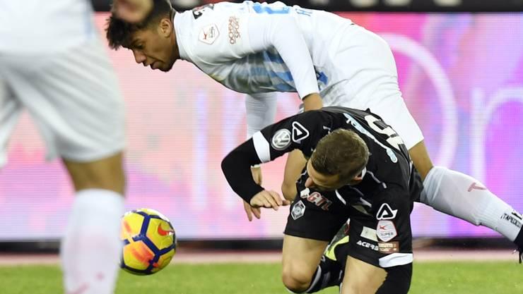 Lugano (im Bild Mattia Bottani) musste im Auswärtsspiel gegen den FC Zürich (mit Kevin Rüegg) unten durch